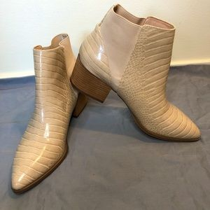 Chinese Laundry Finn Sky Croco Ankle Booties
